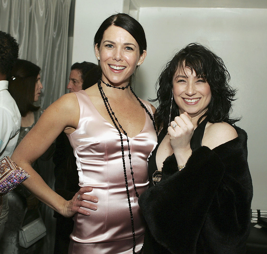 """Lauren Graham and creator/writer Amy Sherman-Palladino pose at The WB Networks' """"Gilmore Girls"""" 100th episode party"""