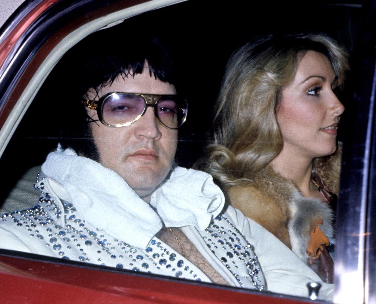 Elvis Presley with girlfriend Linda Thompson in 1975