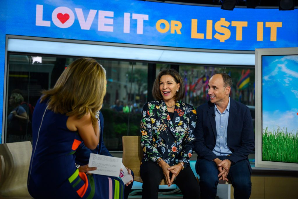 (L-R) Hilary Farr and David Visentin smiling on the 'Today Show'