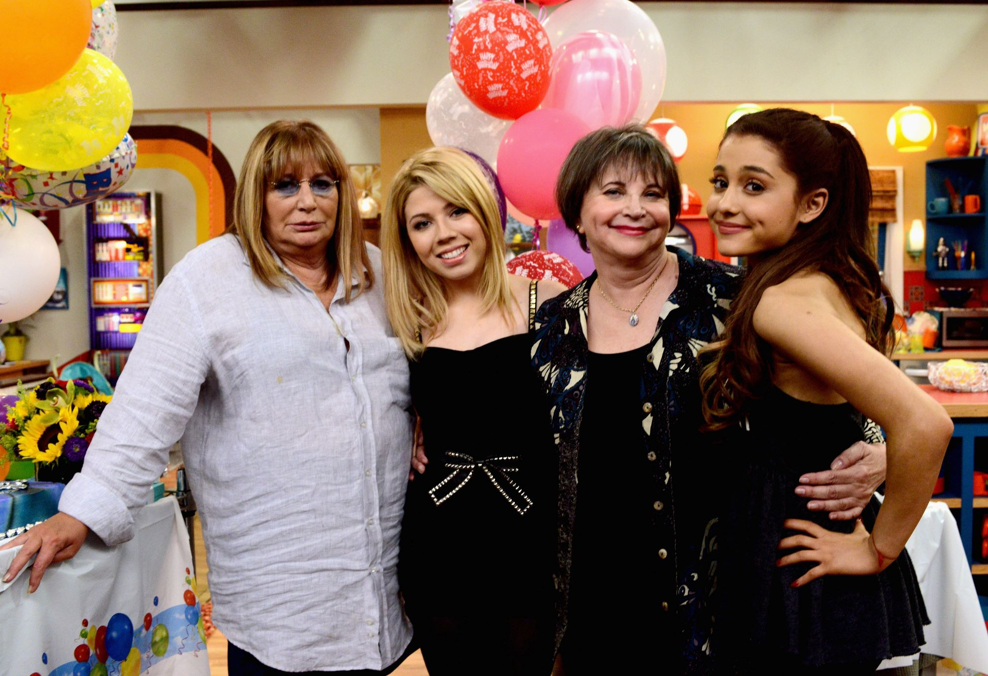 Penny Marshall, Jennette McCurdy, Cindy Williams, and Ariana Grande