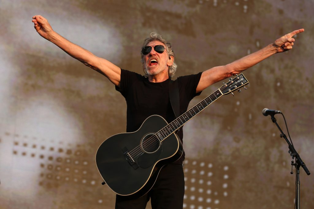 Roger Waters performing live