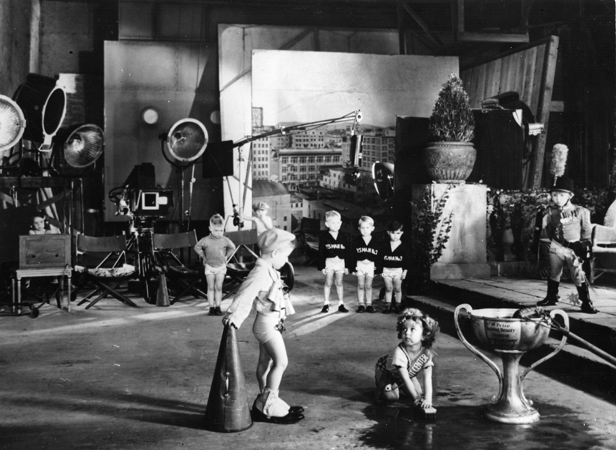 Shirley Temple on the set of 'Kid in Hollywood'