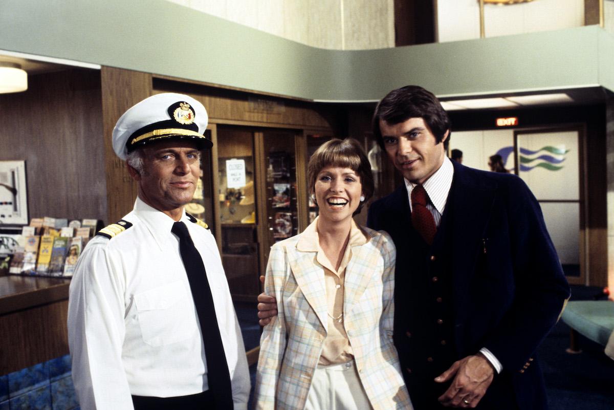 Gavin MacLeod (Captain Stubing), Lauren Tewes (Julie), guest star Robert Urich