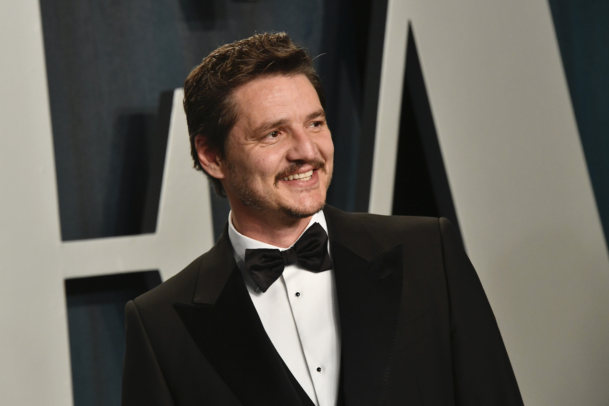 Pedro Pascal at the 2020 Vanity Fair Oscar Party at Wallis Annenberg Center for the Performing Arts on Feb. 09, 2020
