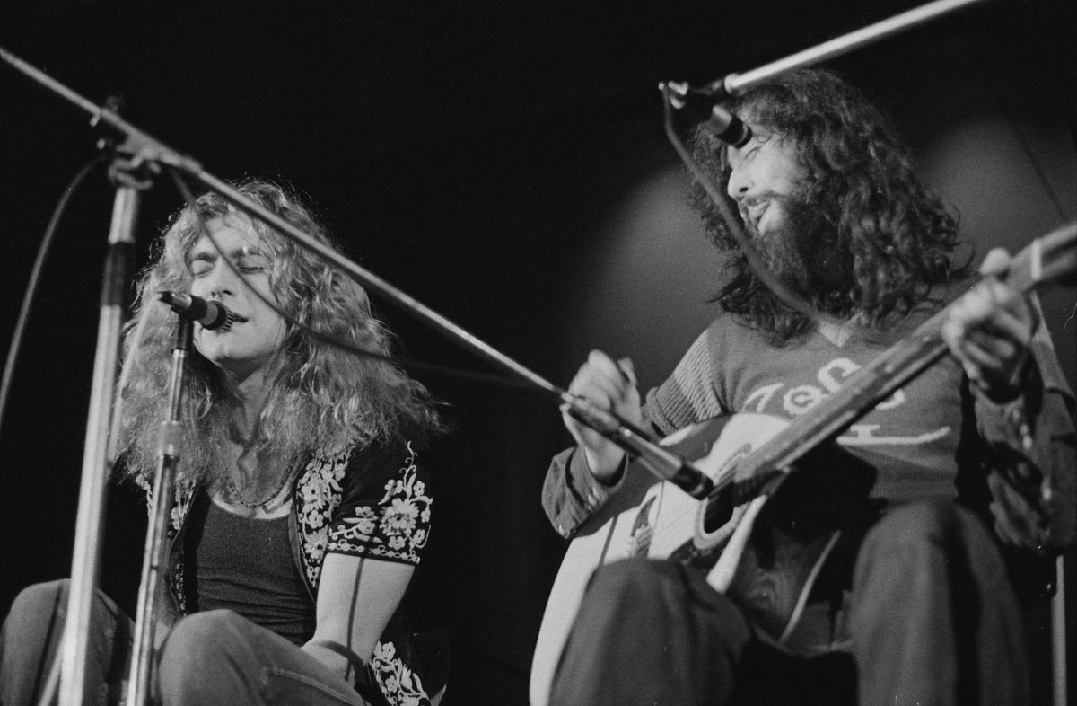 Robert Plant and Jimmy Page performing in 1971
