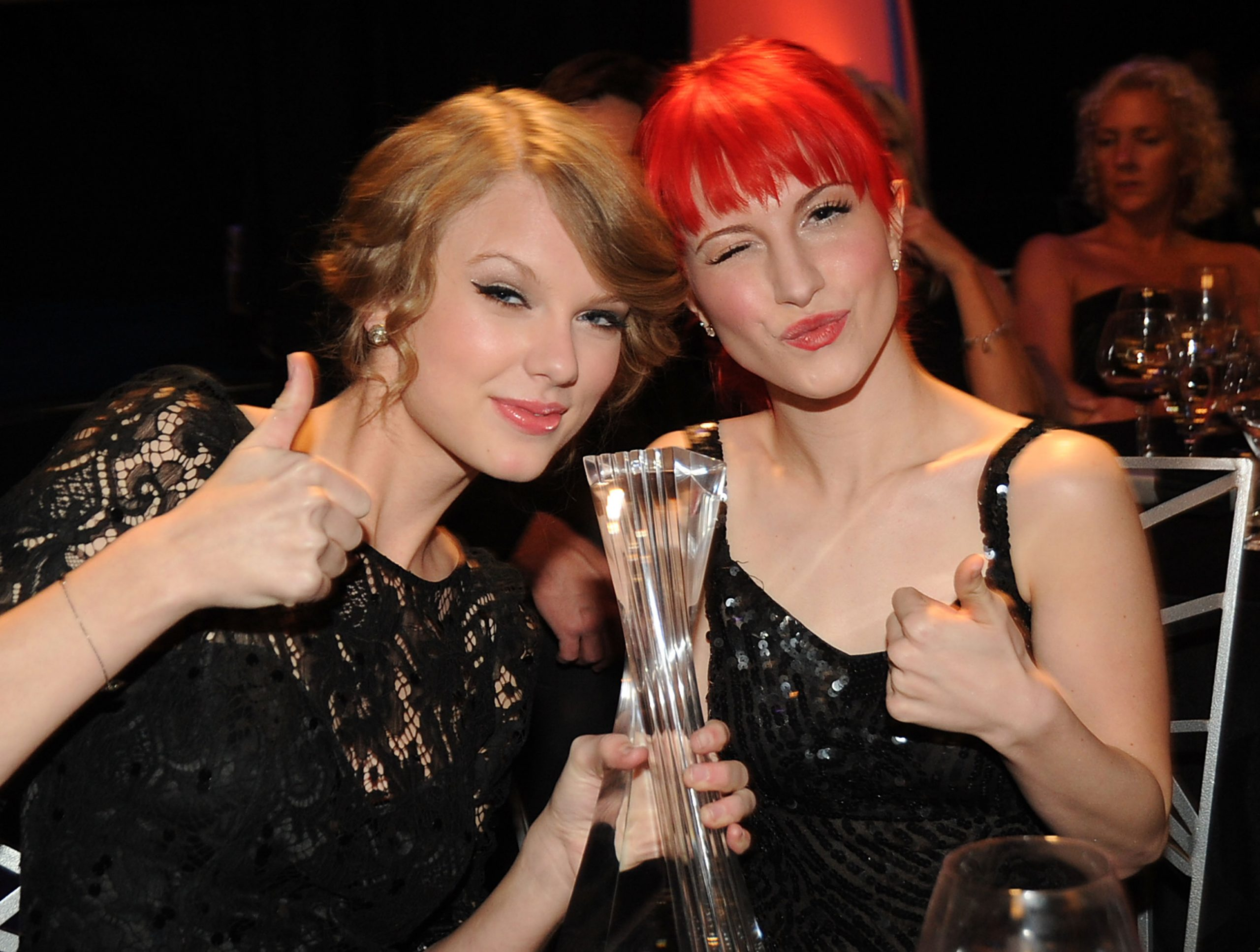Taylor Swift and Hayley Williams of Paramore at the CMT Artists of the Year on Nov. 30, 2010