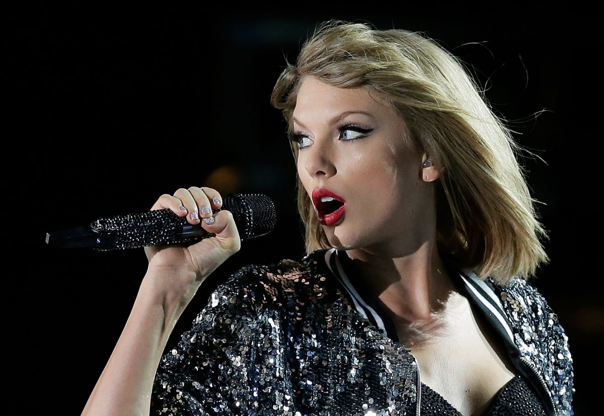 Taylor Swift performs during her '1989' World Tour on November 28, 2015 in Sydney, Australia.
