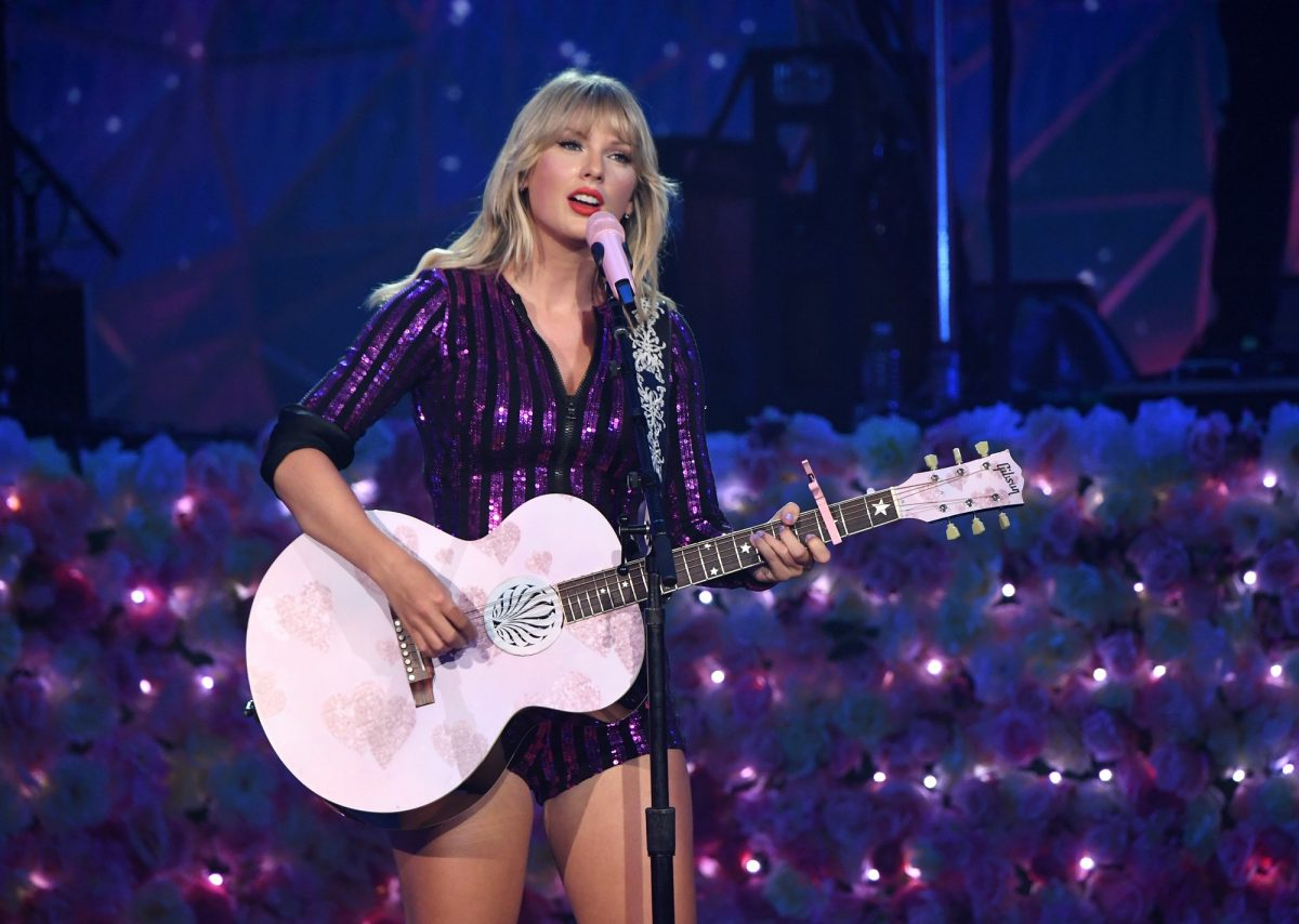Taylor Swift makes history with simultaneous wins in Billboards Hot 200