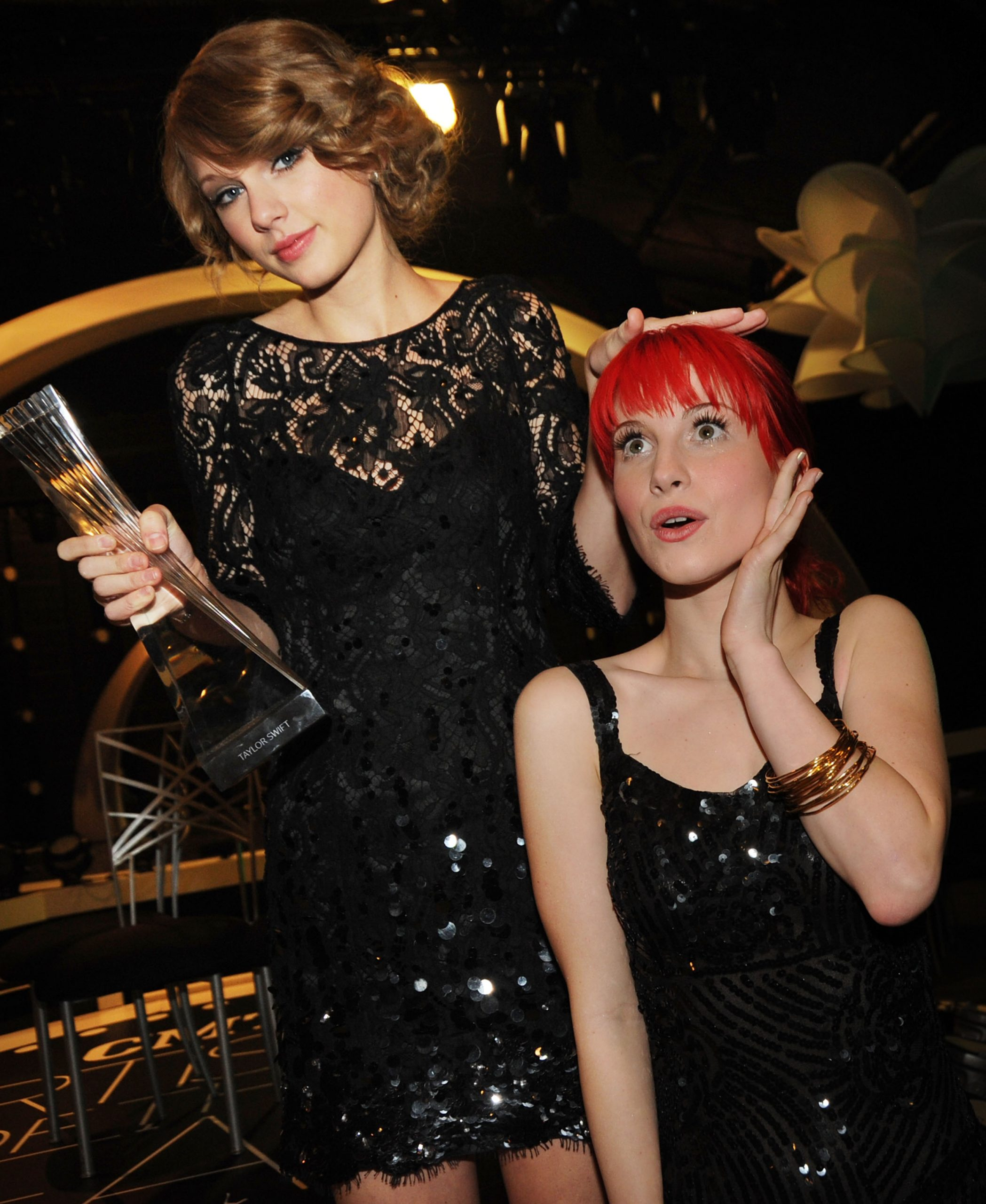 Taylor Swift and Hayley Williams at CMT Artists of the Year on Nov. 30, 2010