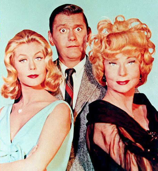 Elizabeth Montgomery, Dick York, and Agnes Moorehead in a promotional photo for 'Bewitched'
