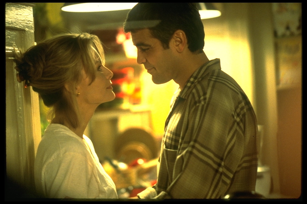 Michelle Pfeiffer and George Clooney in 'One Fine Day'