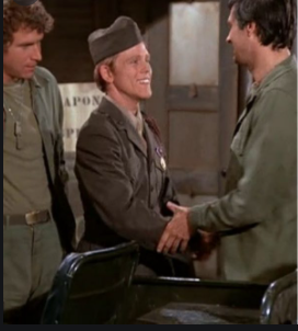 (L to R): Wayne Rogers, Ron Howard, and Alan Alda on 'M*A*S*H'