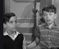 (L to R) Alan Roberts and Jerry Mathers in 'Beaver and Chuey' episode of 'Leave It to Beaver'