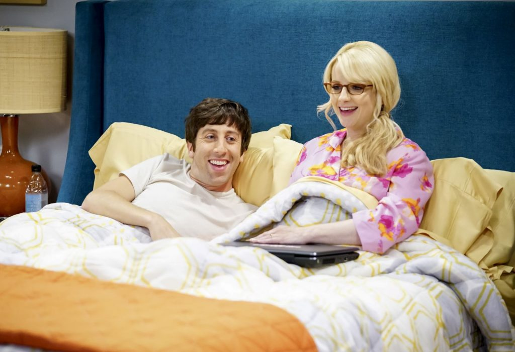 Simon Helberg and Melissa Rauch on 'The Big Bang Theory'