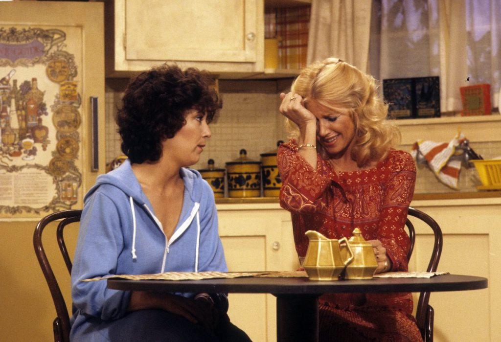 Joyce DeWitt and Suzanne Somers in 'Three's Company'