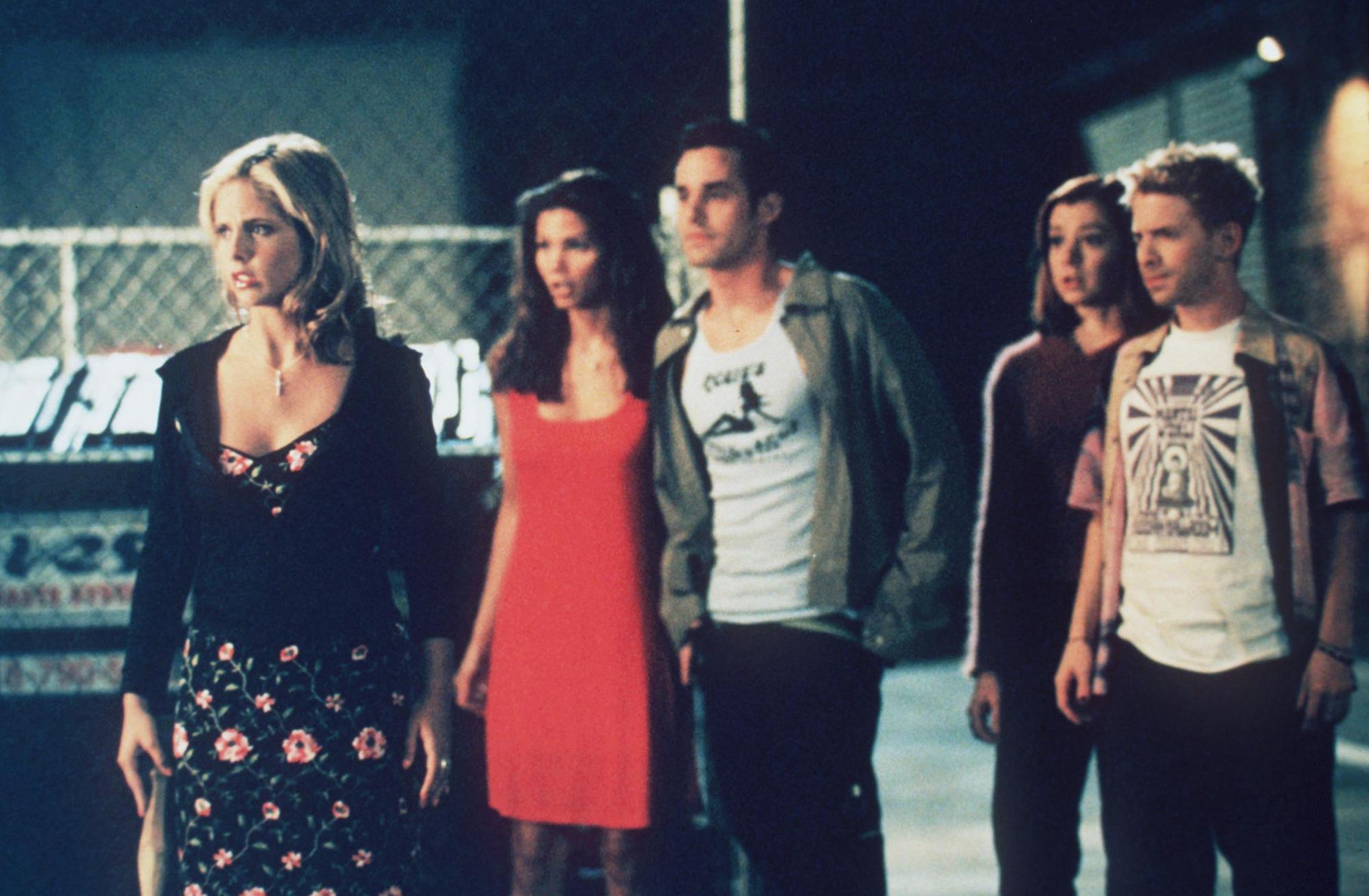 The cast of 'Buffy The Vampire Slayer' 1998.