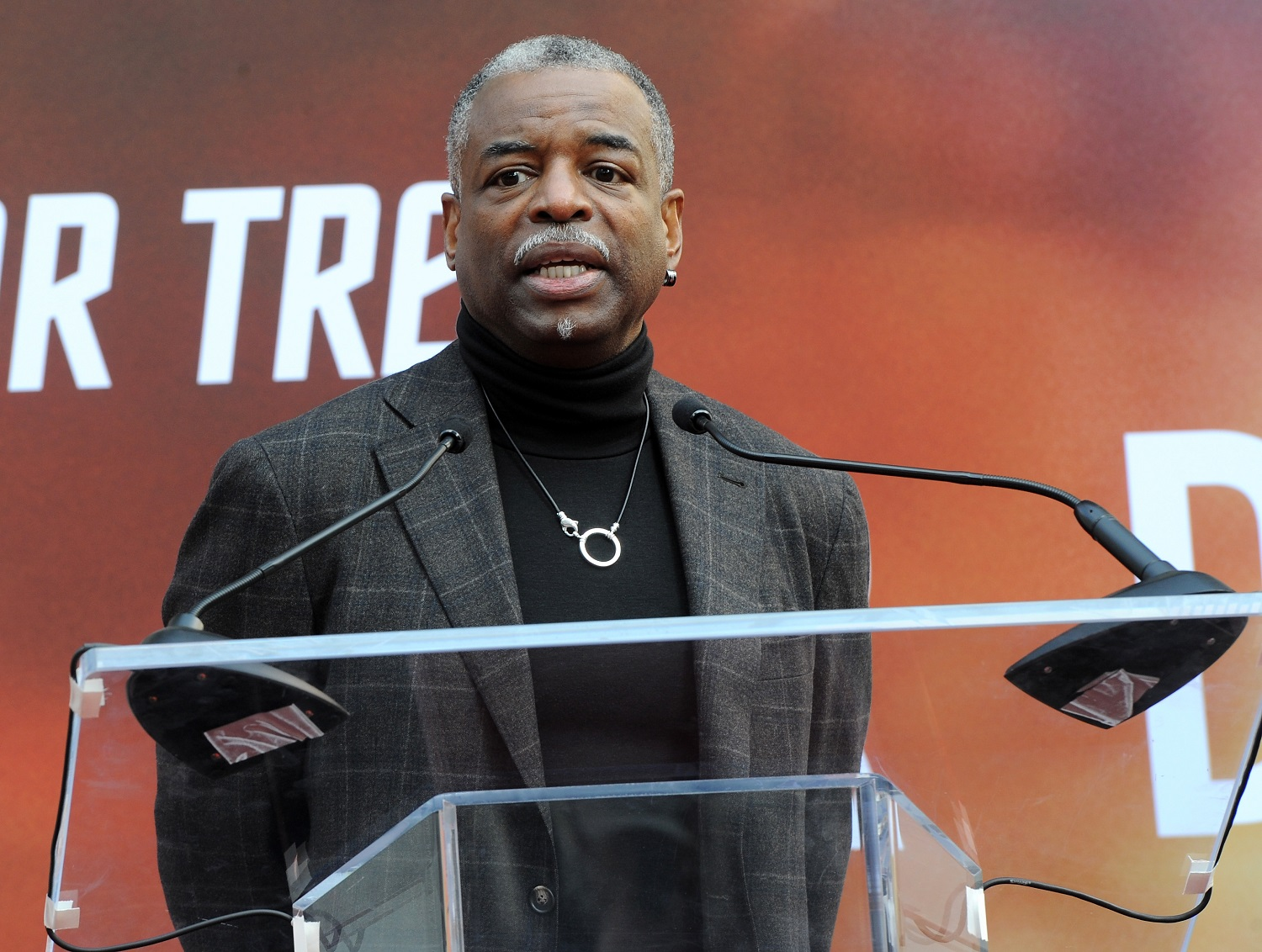 'Jeopardy!' Fans Rally for LeVar Burton to Replace Ken ...