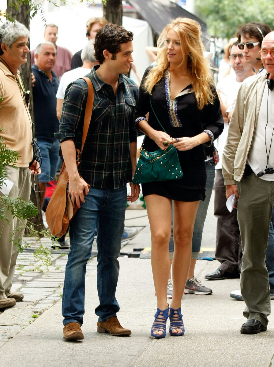 Penn Badgley and Blake Lively film on location for 'Gossip Girl'