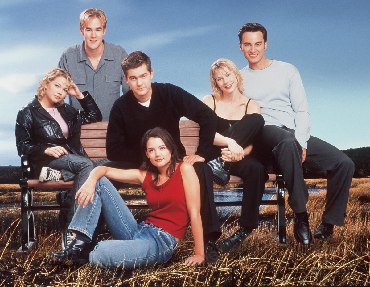 "The cast of ""Dawson's Creek."" (Season 3) Back row: James Van Der Beek. Middle row: Michelle Williams, Joshua Jackson, Meredith Monroe and Kerr Smith. Front row: Katie Holmes."
