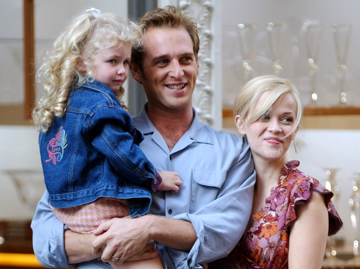 Josh Lucas (center) and Reese Witherspoon 'Sweet Home Alabama' in New York City