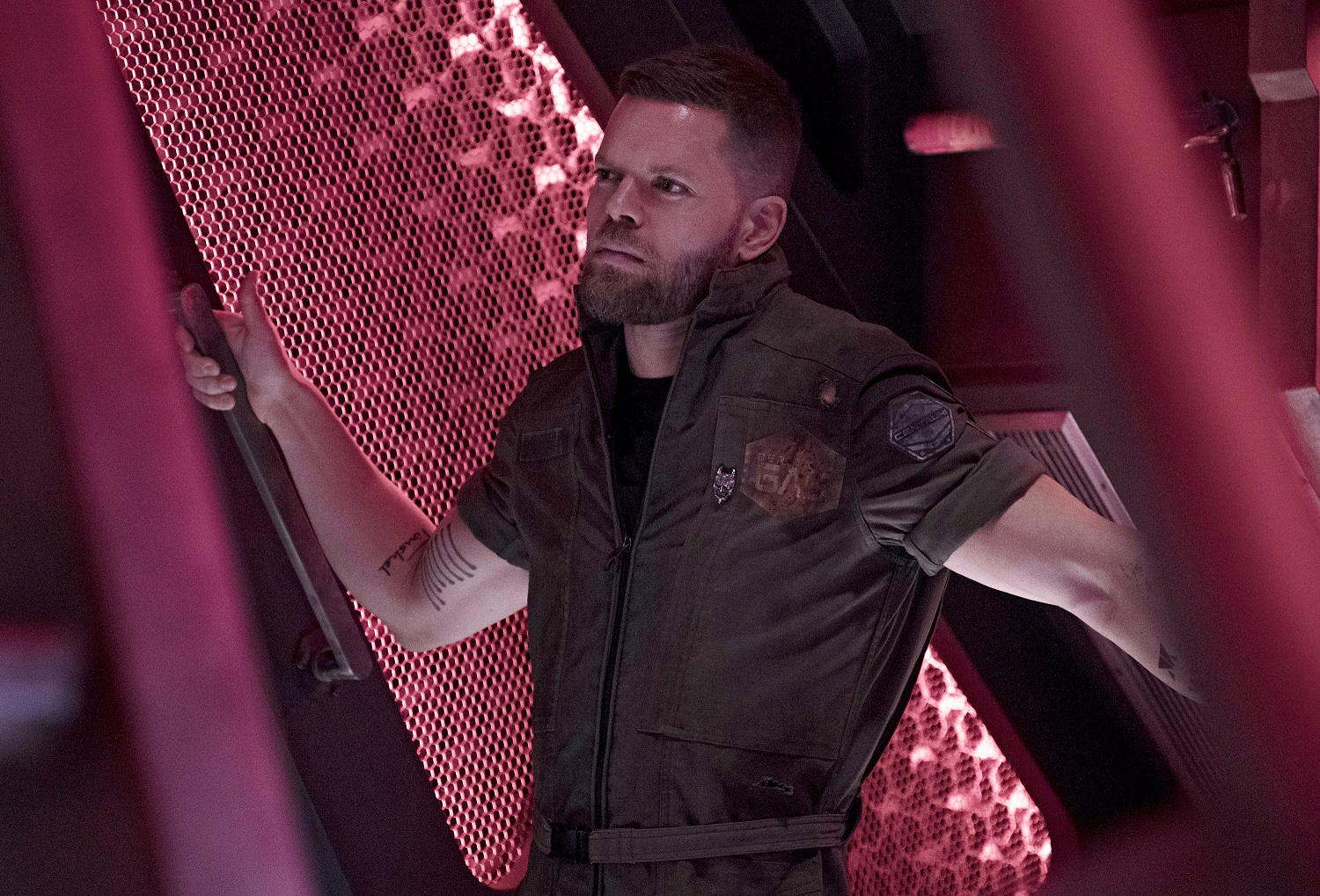 Wes Chatham as Amos Burton on The Expanse