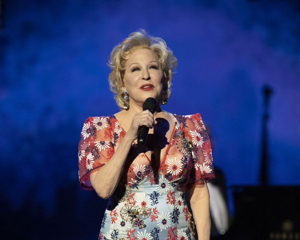 Bette Midler sings at the 91st annual Academy Awards