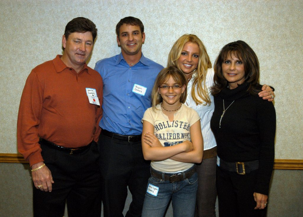 Britney Spears with her parents, Jamie Spears and Lynne Spears, and two siblings, Bryan Spears and Jamie-Lynn Spears