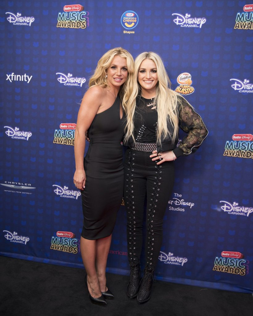 Britney Spears, left, with her sister, Jamie Lynn Spears, at the Radio Disney Music Awards in 2017