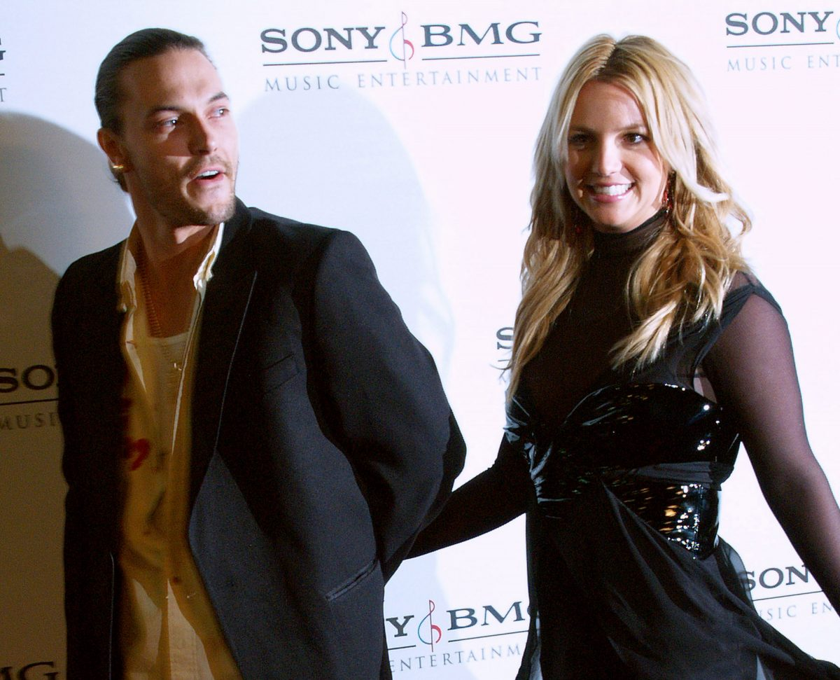 Britney Spears in a black dress, Kevin Federline in a black blazer and white shirt