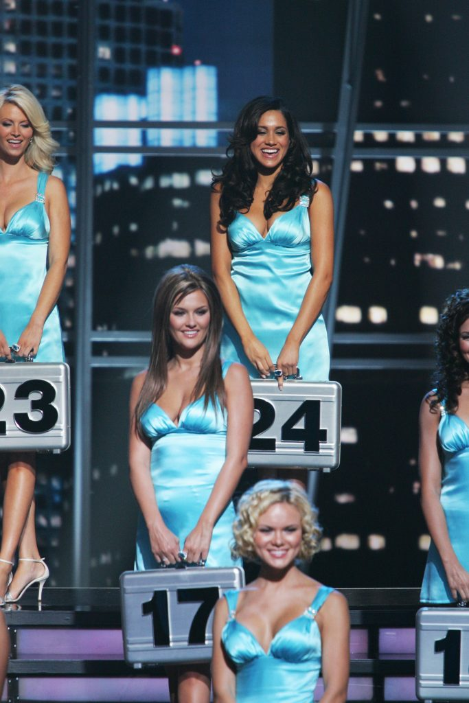 Meghan Markle with other models on 'Deal or No Deal'