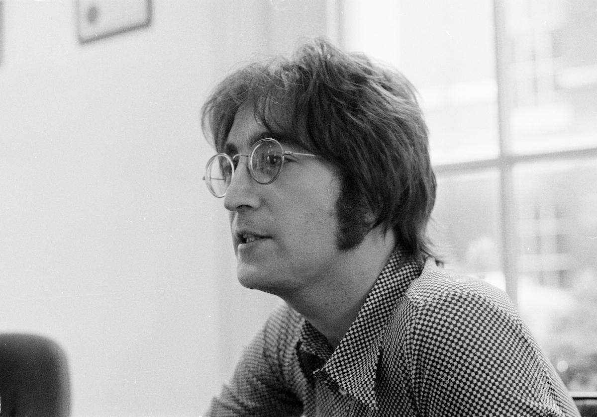 John Lennon being interviewed by journalist Steve Turner of Beat Instrumental magazine