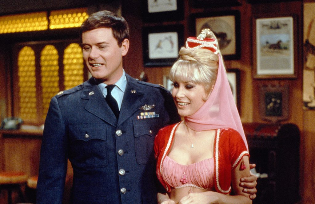 Larry Hagman as Anthony 'Tony' Nelson and Barbara Eden as Jeannie in 'I Dream of Jeannie'