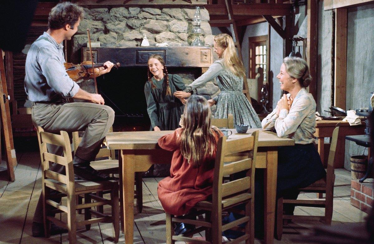 Little House on the Prairie cast on set
