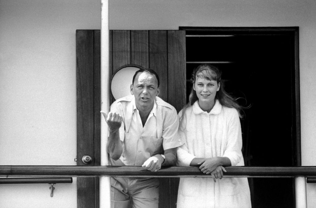 Frank Sinatra and Mia Farrow | Bill Eppridge/The LIFE Picture Collection via Getty Images