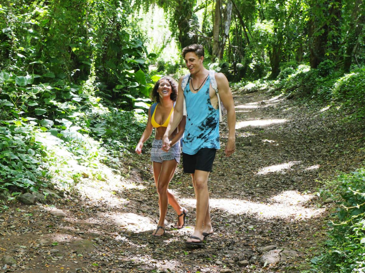 'Temptation Island' -- Episode 107 -- Pictured: (l-r) Evan Smith, Morgan Lolar