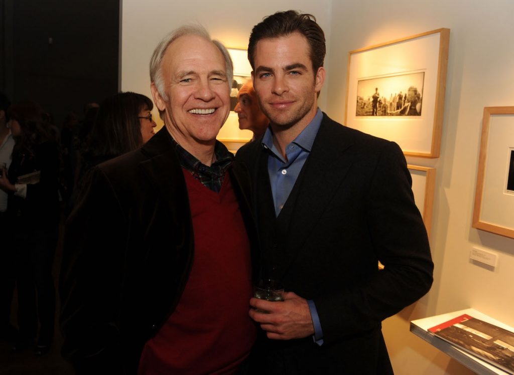 Robert Pine and Chris Pine standing next to each other.