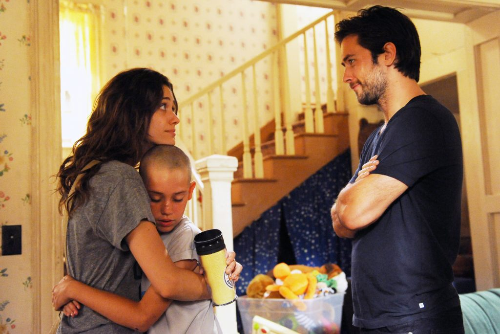 Emmy Rossum as Fiona Gallagher, Ethan Cutkosky as Carl Gallagher and Justin Chatwin as Jimmy in Shameless