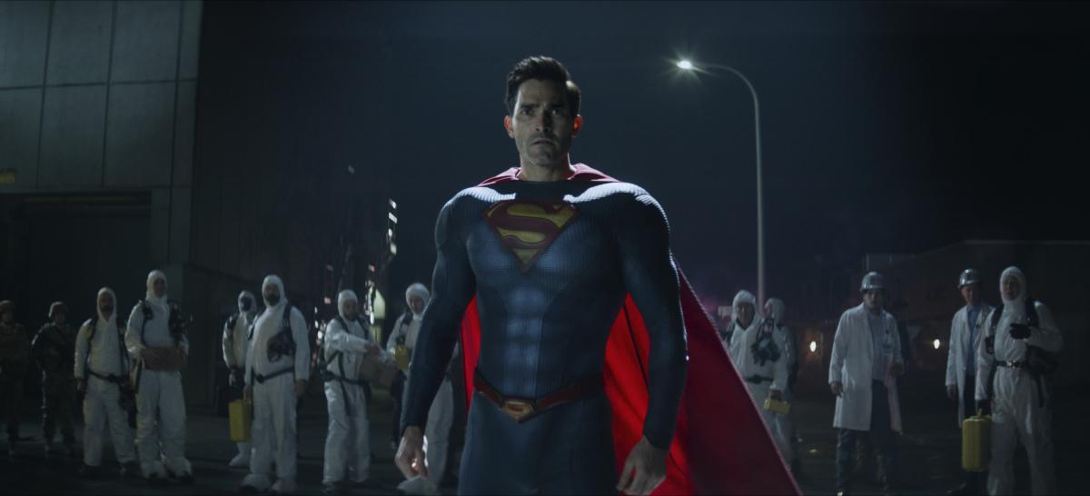 Superman Tyler Hoechlin suited up