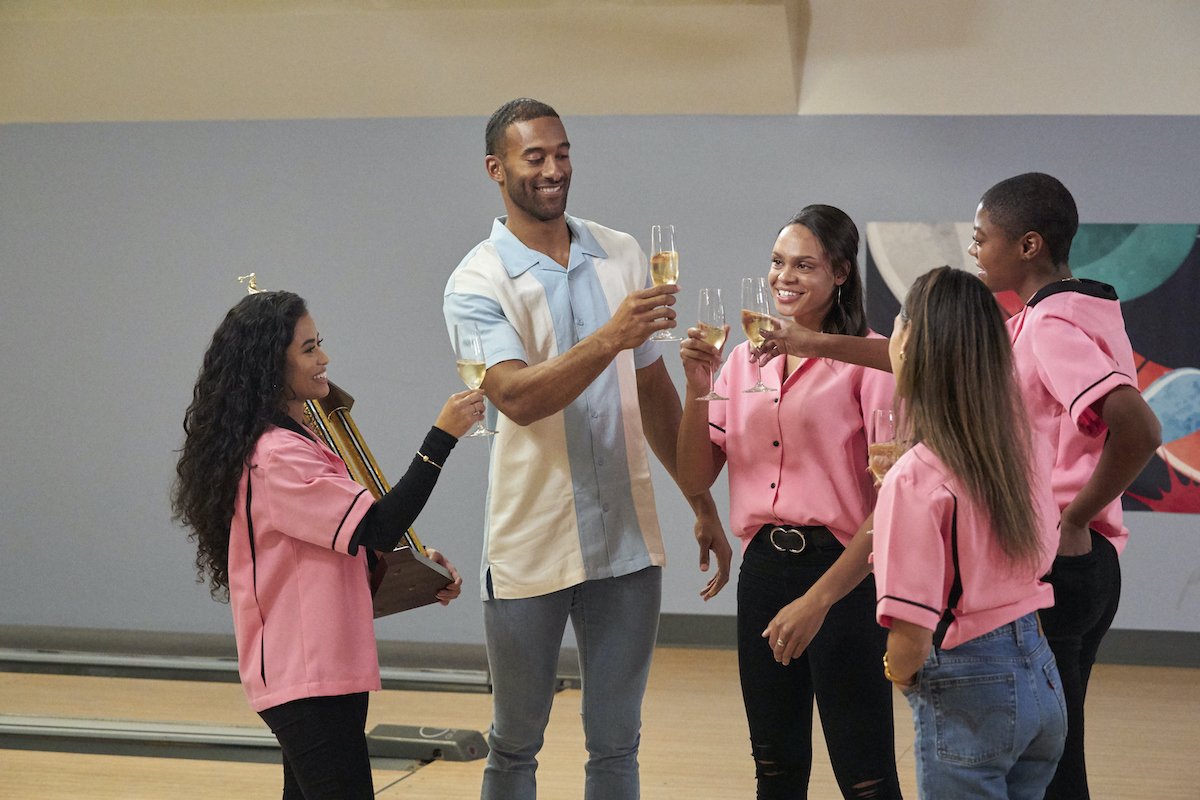 'The Bachelor' Matt James toasts with contestants.