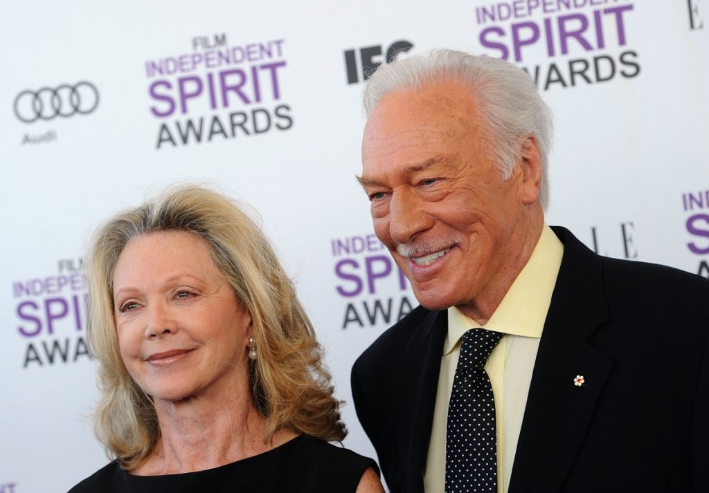 Christopher Plummer (R) and Elaine Taylor at the 2012 Film Independent Spirit Awards.