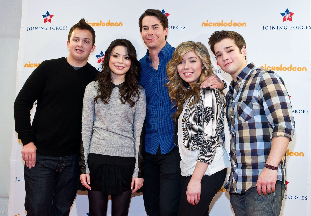 Cast of iCarly Noah Munck, Miranda Cosgrove, Jerry Trainor, Jeanette McCurdy and Nathan Kress at a special military family screening of Nickelodeon's iCarly: iMeet The First Lady