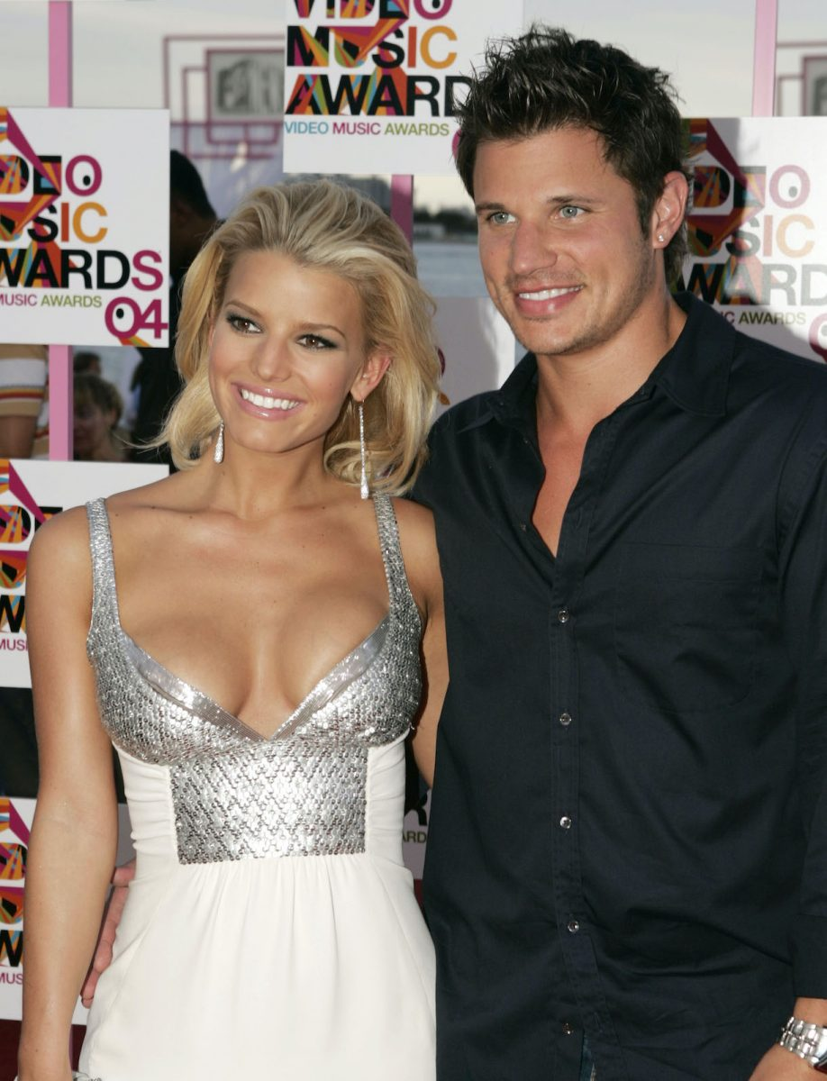 Singers Jessica Simpson and Nick Lachey arrive at the 2004 MTV Video Music Awards