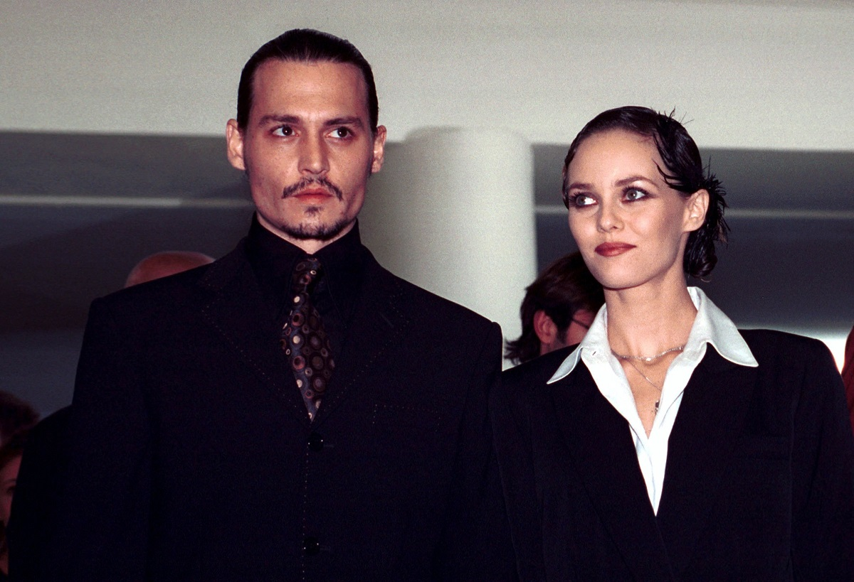 Johnny Depp and Vanessa Paradis attended the presentation of the film 'From Hell' in 2001.