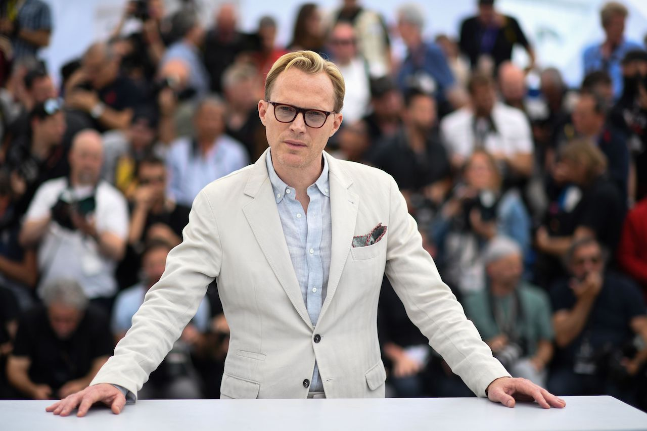 """Paul Bettany poses during a photocall for the film """"Solo : A Star Wars Story"""""""