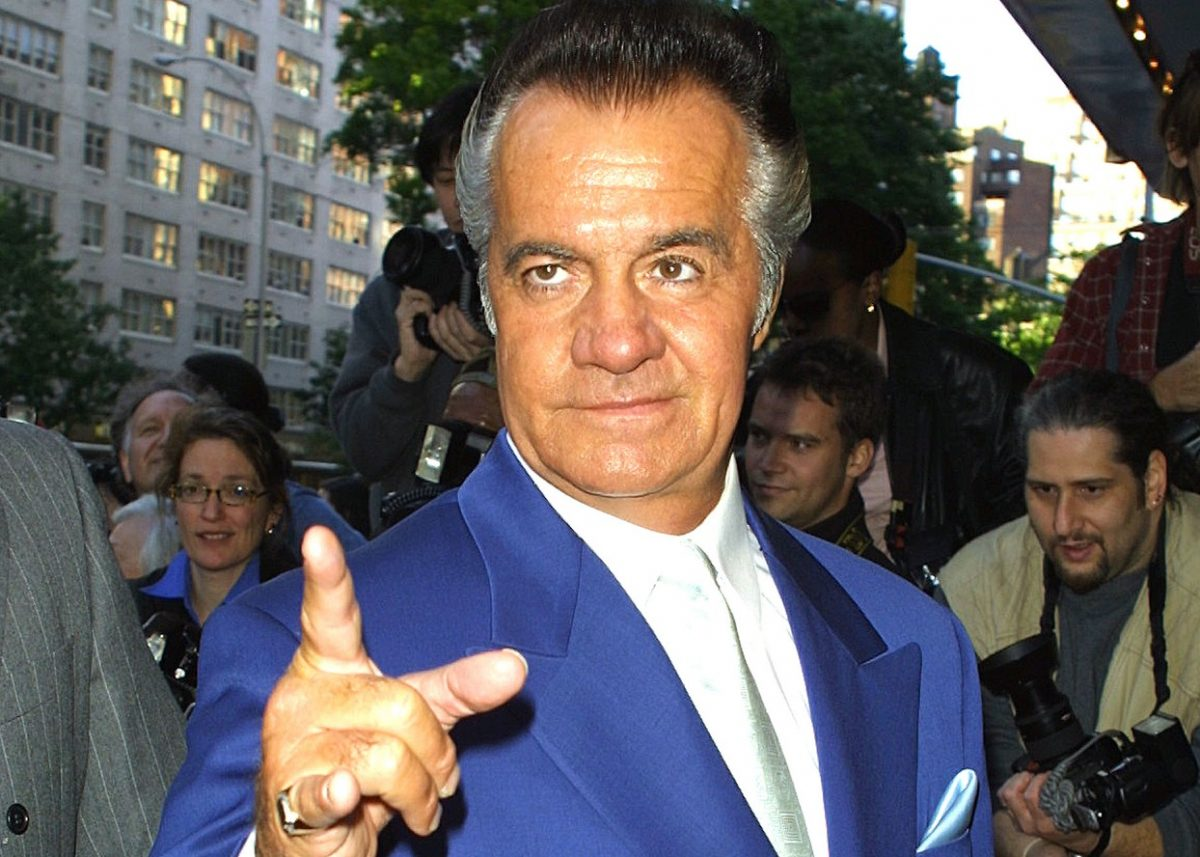 Tony Sirico points at a film premiere
