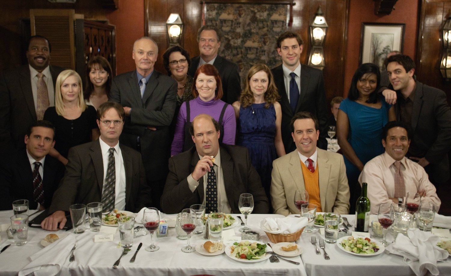'The Office' cast pose during Jim and Pam's rehearsal dinner.