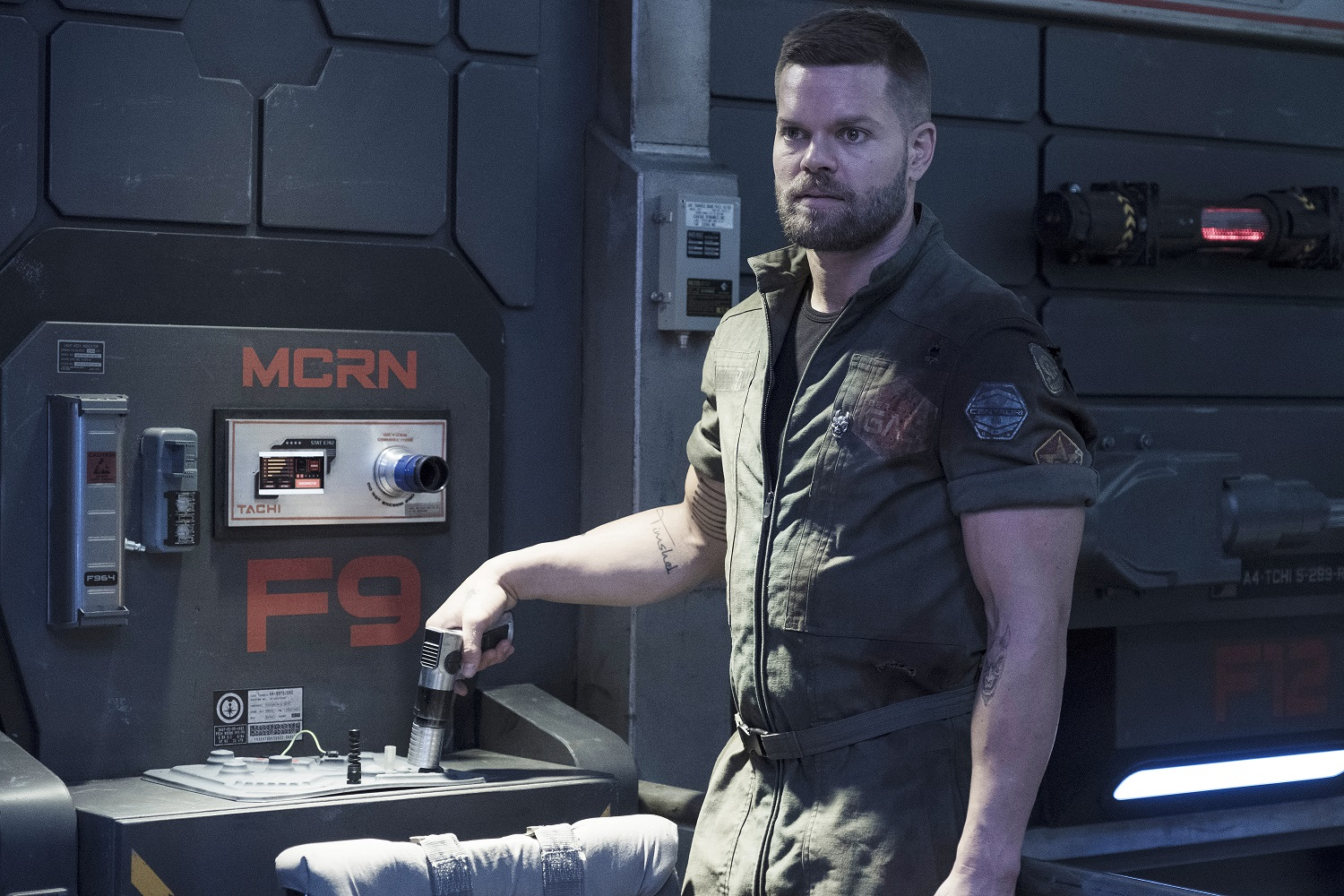Wes Chatham as Amos Burton in The Expanse