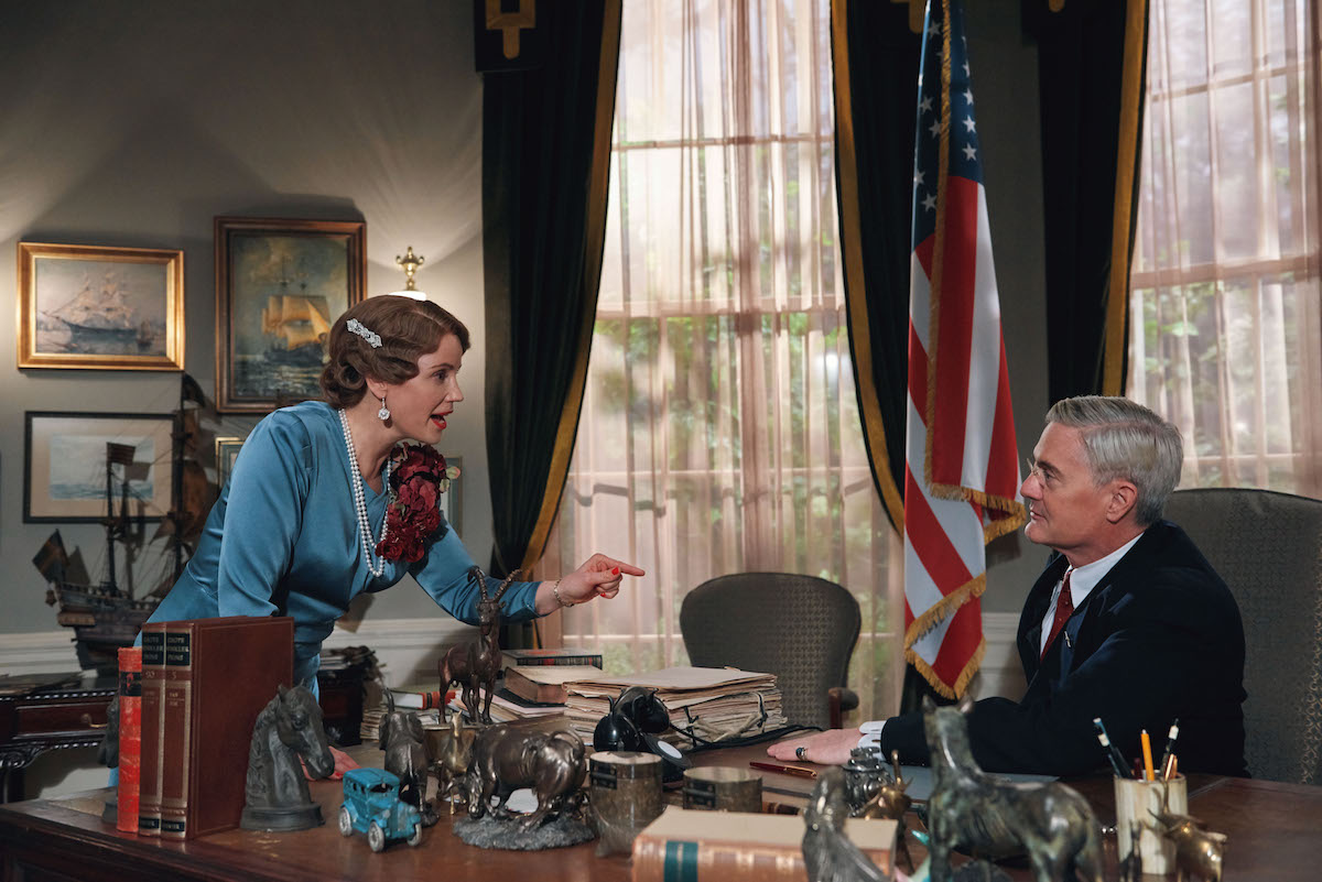 Princess Martha points at FDR in episode of Atlantic Crossing
