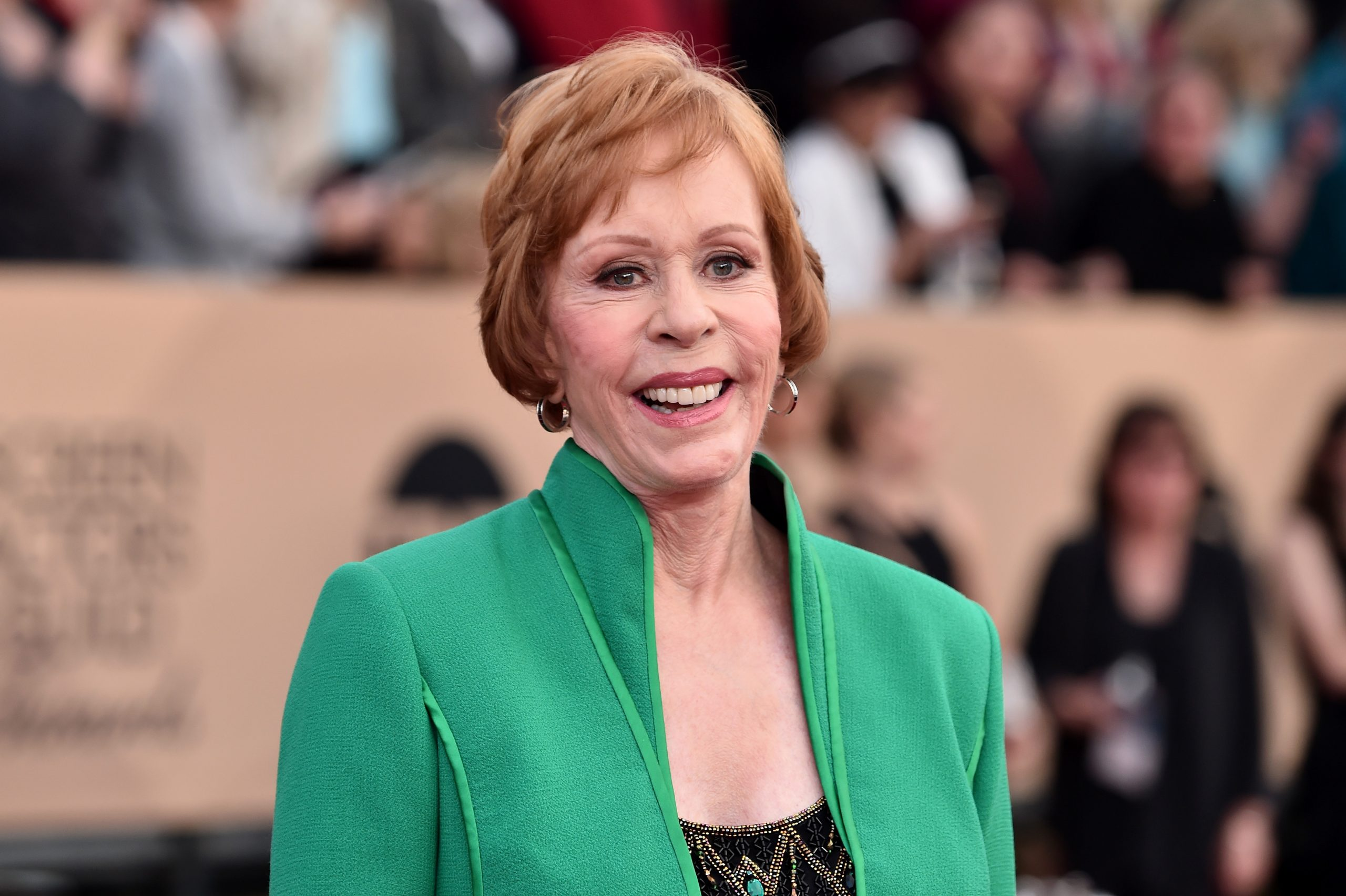 Carol Burnett dons a green blazer and smiles on the red carpet at the Screen Actors Guild Awards