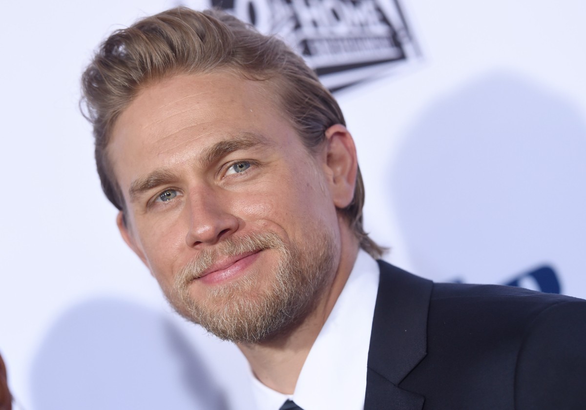 Charlie Hunnam arrives at FX's 'Sons Of Anarchy' premiere at TCL Chinese Theatre on September 6, 2014